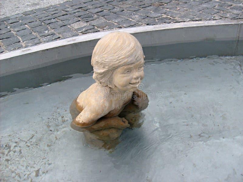 Het standbeeld in de fontein royalty-vrije stock afbeelding