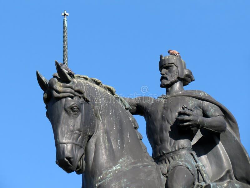 Het standbeeld die van Koning Tomislav een paard in Zagreb berijden stock foto