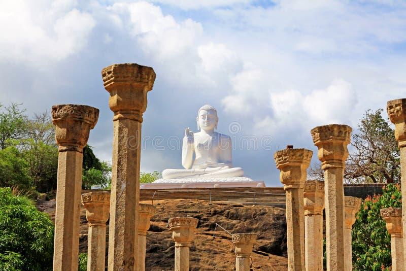 Het Standbeeld van Anuradhapuramihintale Boedha, Sri Lanka-de Werelderfenis van Unesco stock afbeeldingen