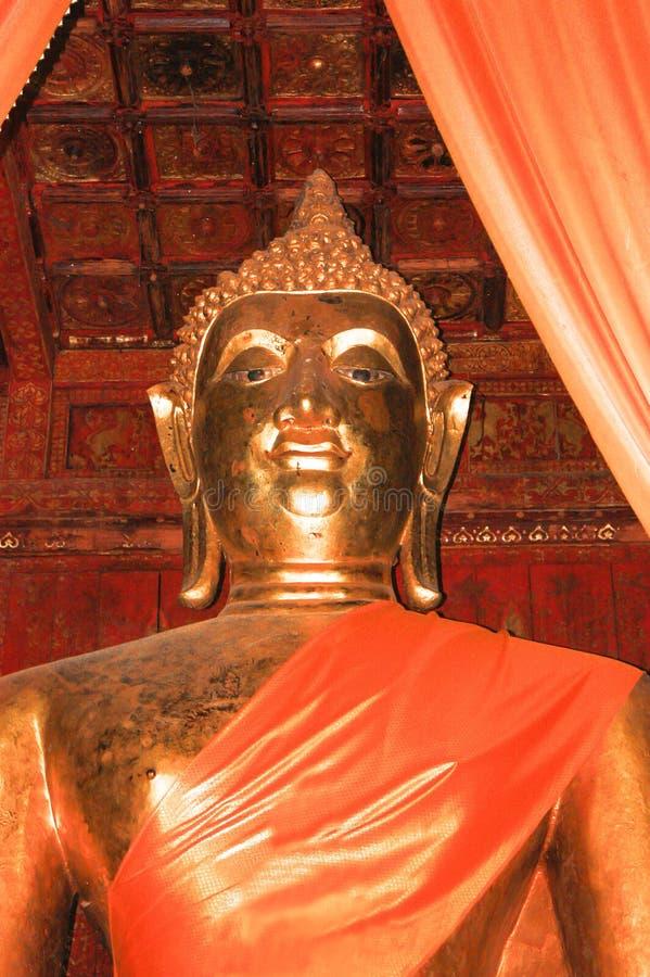 Download Het standbeeld van Boedha stock afbeelding. Afbeelding bestaande uit tranquil - 39118189