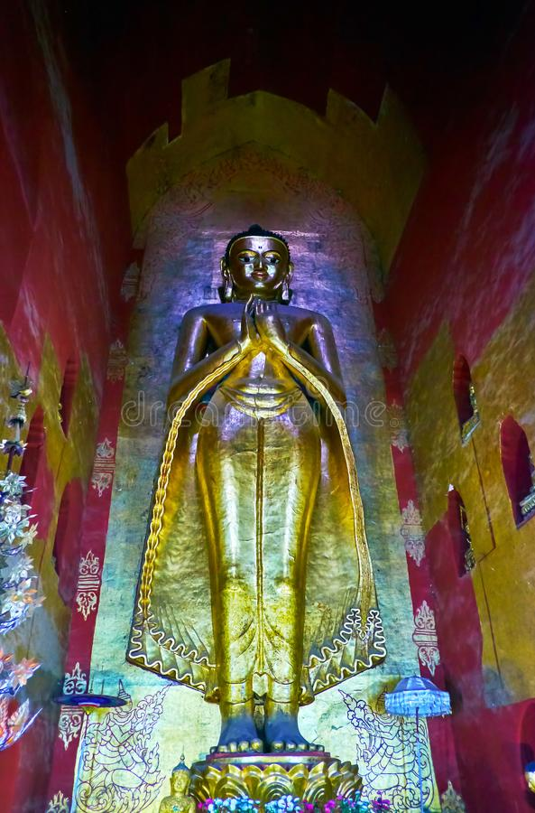Het standbeeld van Boedha in Ananda Shrine, Bagan, Myanmar stock fotografie