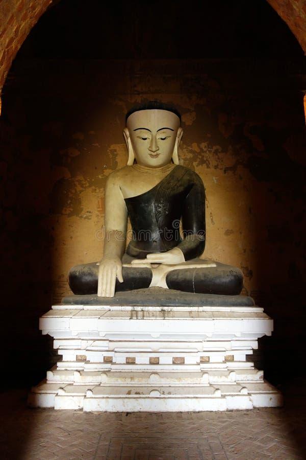 Het standbeeld van Boedha, Bagan, Myanmar stock foto's