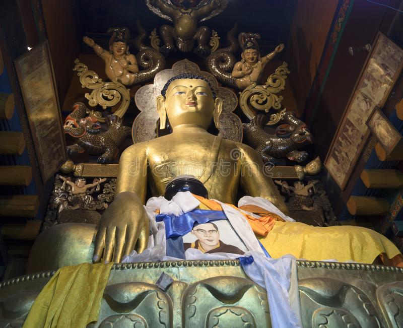 Het standbeeld van Boedha is bezoekend de moeite waard stock foto's