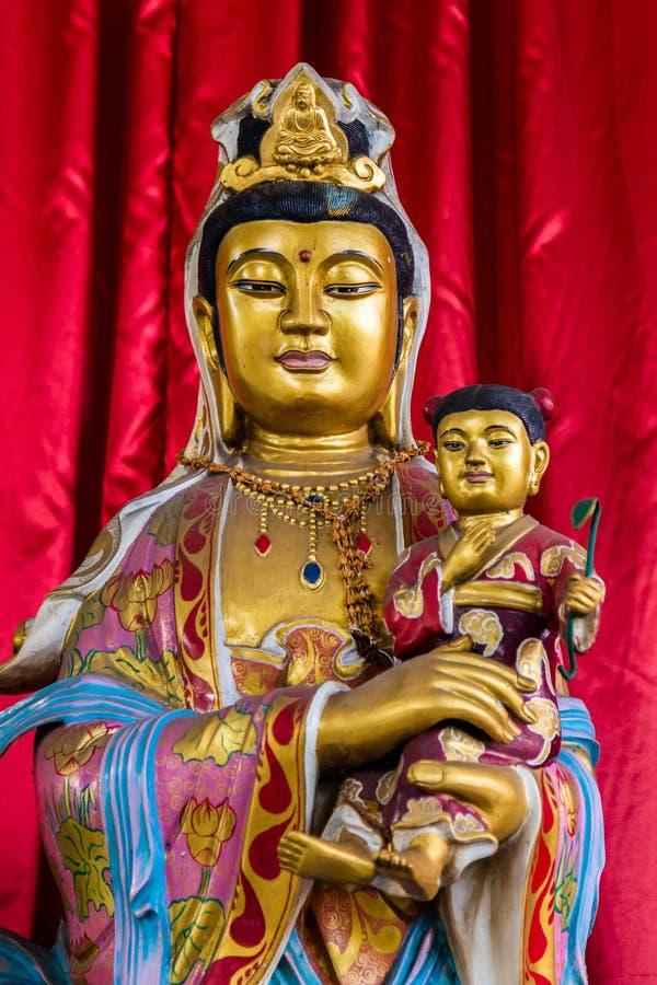 Het standbeeld van Boedha in een tempel in Semarang Indonesië stock fotografie