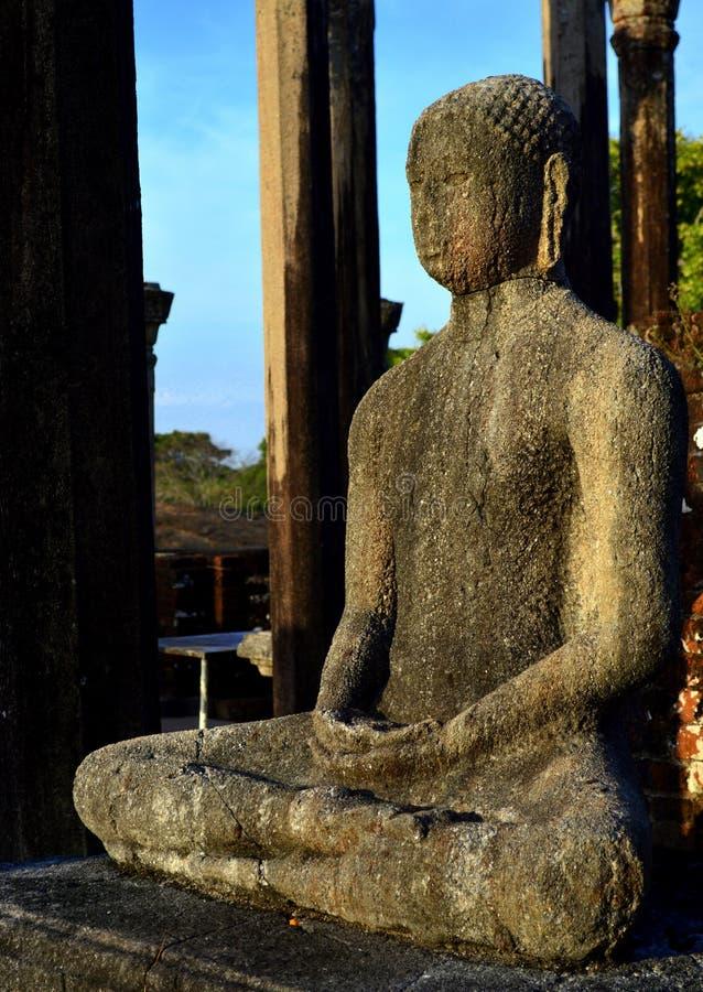 Het Standbeeld van Boedha in Medirigiriya Vatadageya, Sri Lanka royalty-vrije stock afbeeldingen