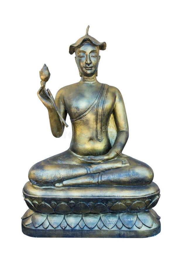 Het standbeeld van Boedha met lotusbloemblad op hoofd en lotusbloem op witte achtergrond ter beschikking wordt geïsoleerd die royalty-vrije stock foto's