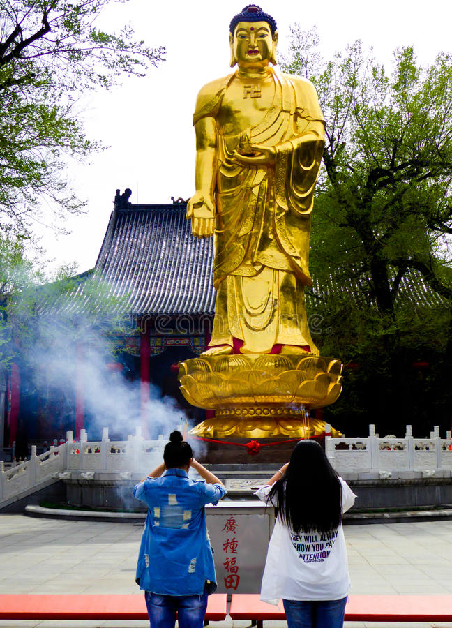 Het standbeeld van Boedha van Jile-tempel stock fotografie