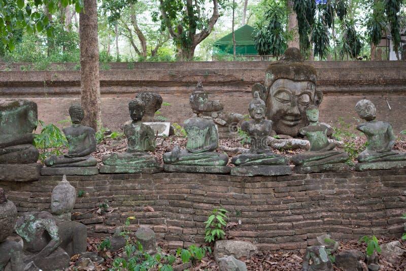Het standbeeld van Boedha in wat umong, chiang MAI, reist Thaise tempel royalty-vrije stock afbeeldingen