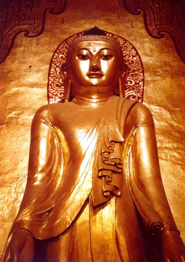 Download Het standbeeld van Buddah stock foto. Afbeelding bestaande uit tempel - 34854