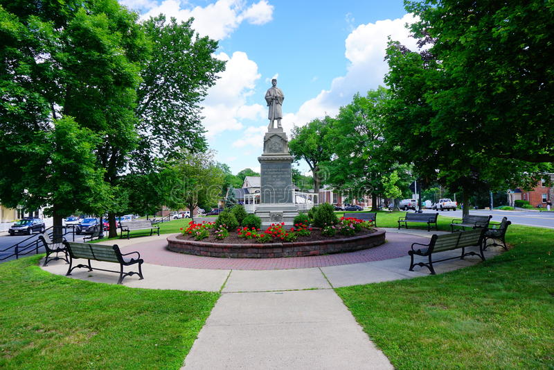 Het standbeeld van de burgeroorlogmilitair bij de stad van MT Holyoke stock foto's