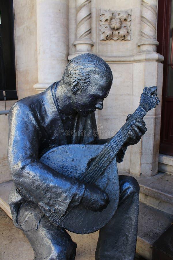 Het standbeeld van de Fadozanger in Lissabon royalty-vrije stock afbeeldingen