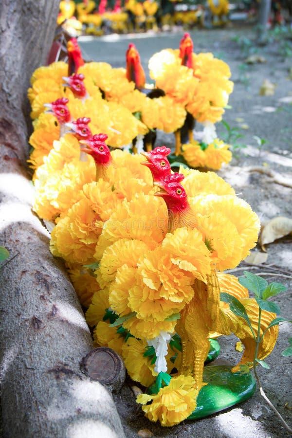 Het standbeeld van de kippenmenigte voor fullfill zijn verplichtingen royalty-vrije stock afbeelding