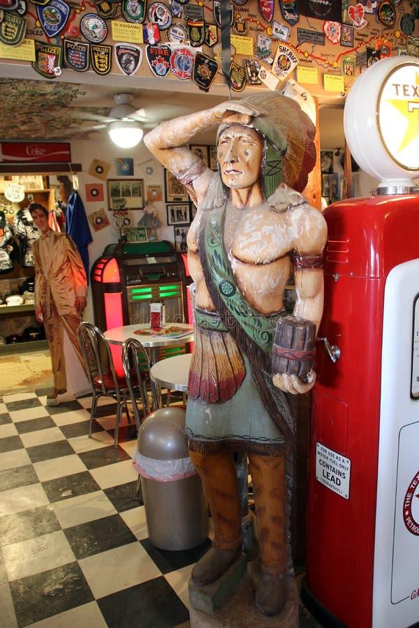 Het standbeeld van de sigarenopslag van Leider, HackBerry, Arizona stock foto's