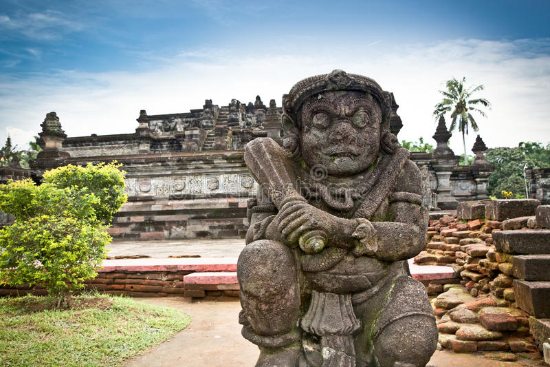 Het standbeeld van de steen in Penataran tempel, Java, Indonesië royalty-vrije stock afbeelding