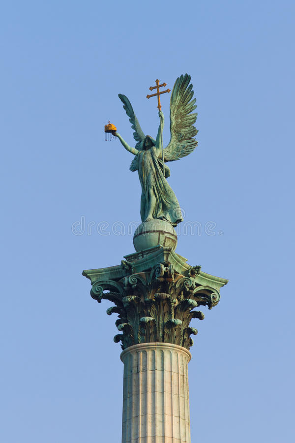Het standbeeld van Gabriel van de aartsengel stock fotografie
