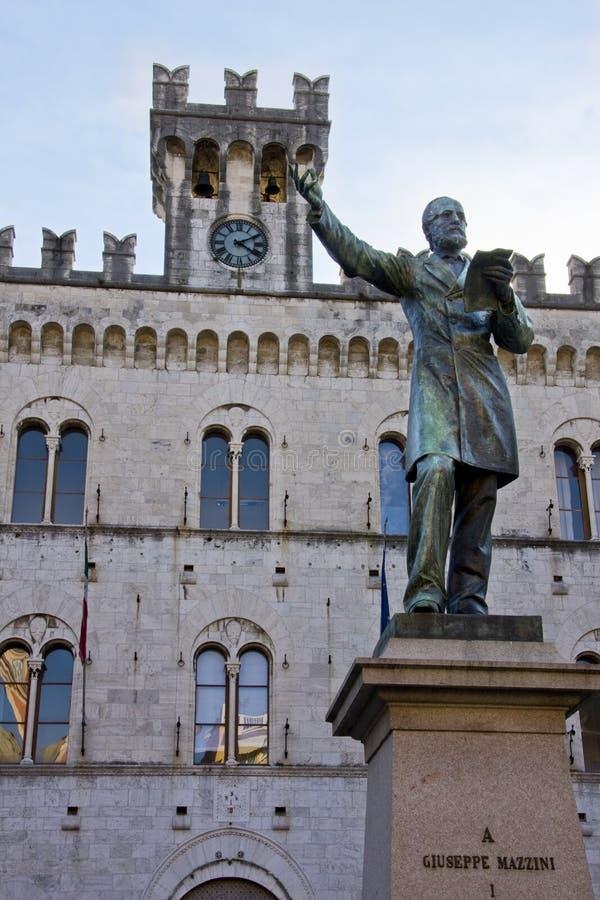 Het standbeeld van Giuseppe Mazzini's stock fotografie
