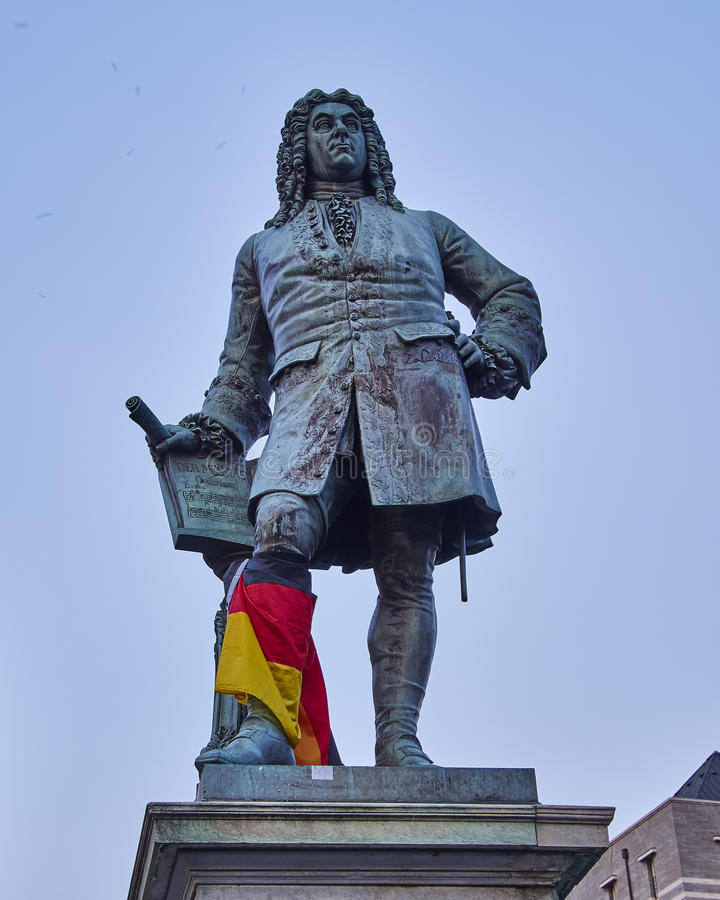 Het standbeeld van Handel, centrale marktplaats van Halle een der Saale stock afbeelding