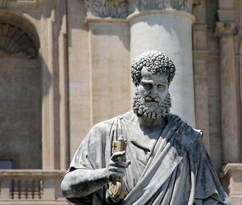 Het standbeeld van heilige Peter in het Vatikaan stock foto's