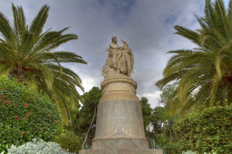 Het standbeeld van Hellas en van Lord Byron in Athene royalty-vrije stock afbeelding