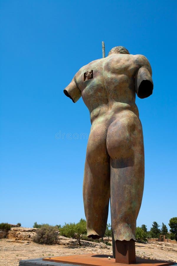 Het standbeeld van het brons in Vallei van de Tempels, Sicilië royalty-vrije stock afbeeldingen