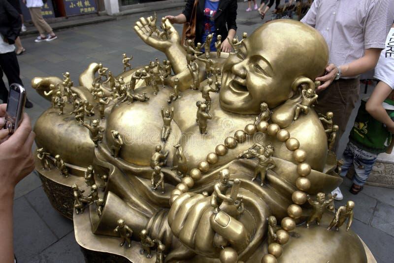 Het standbeeld van het Maitreyabrons stock foto