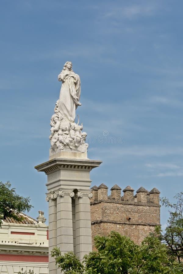 Het standbeeld van Inmaculada op Plein del triunfo, Sevilla stock fotografie