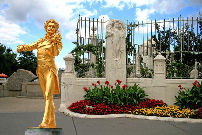 Het standbeeld van Johann Strauss stock fotografie