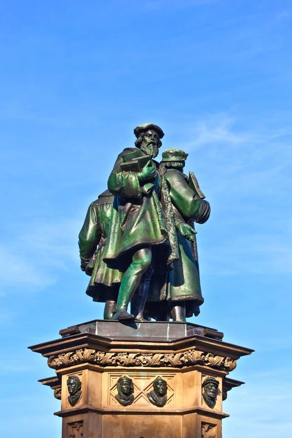 Het standbeeld van Johannes Gutenberg, inven stock fotografie