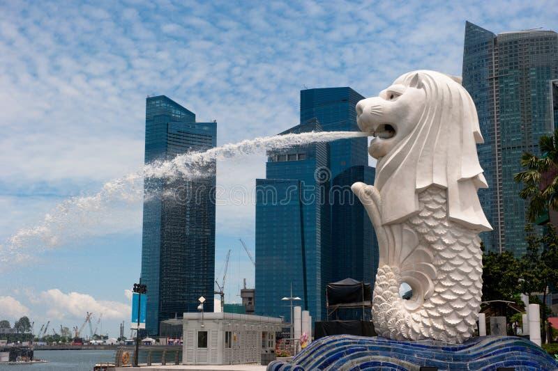 Het standbeeld van Merlion, oriëntatiepunt van Singapore stock foto