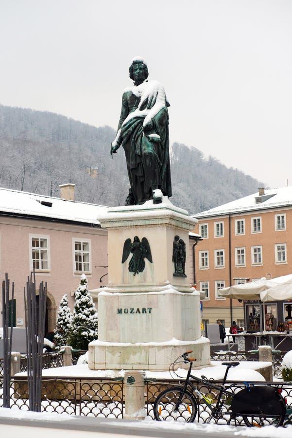 Het standbeeld van Mozart op het Vierkant van Mozart royalty-vrije stock afbeeldingen