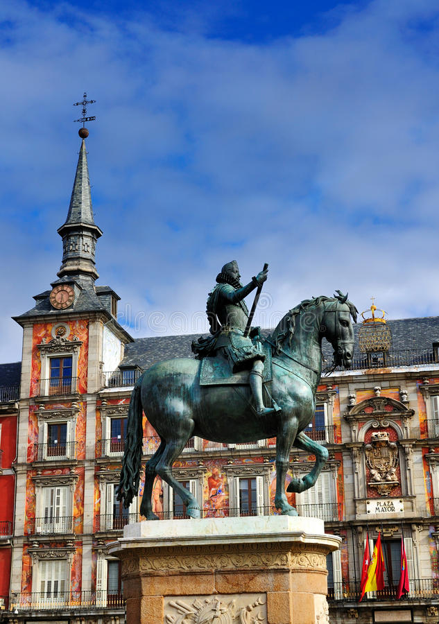 Standbeeld op Burgemeester van het Plein, Madrid, Spanje royalty-vrije stock afbeelding