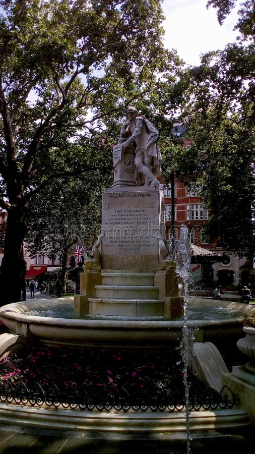 Het standbeeld van Shakespeare in Londen royalty-vrije stock afbeelding