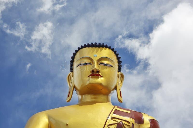 Het standbeeld van Shakyamuniboedha Gautama stock foto's