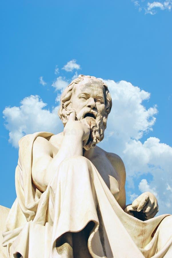 Het standbeeld van Socrates bij de Academie van Athene stock afbeelding