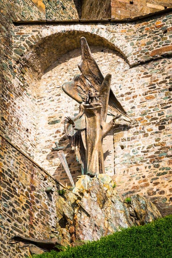 Het standbeeld van St Michael de Aartsengel op Sacra Heilige Michael, stock afbeeldingen