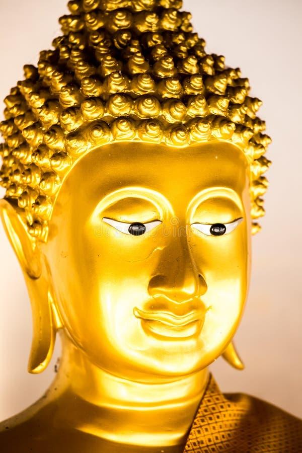 Het standbeeld wat phra van Boedha dat doi kham, chiangmai Thailand stock afbeelding