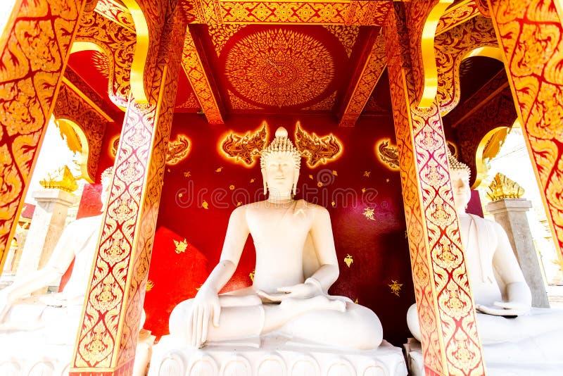 Het standbeeld wat phratajhaduang lumphun Thailand van Boedha stock foto