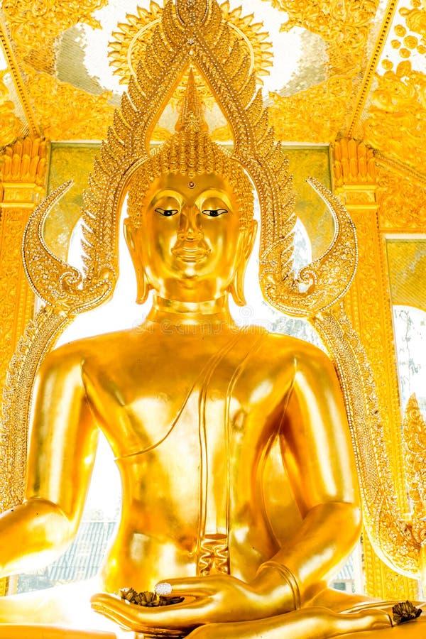 Het standbeeld wat phratajhaduang lumphun Thailand van Boedha royalty-vrije stock foto's