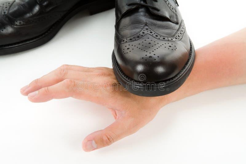 Het stappen op een hand stock afbeelding