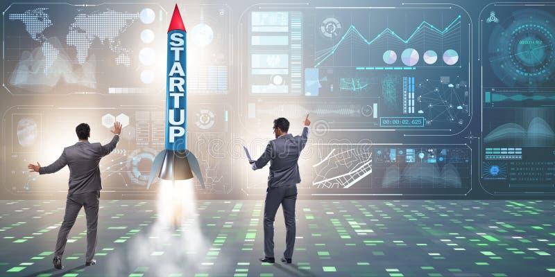 Het startconcept met raket en zakenman royalty-vrije stock afbeelding