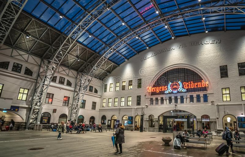 Het station in de stad van Bergen in Noorwegen royalty-vrije stock fotografie