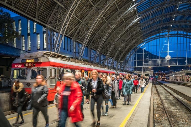 Het station in de stad van Bergen in Noorwegen stock foto's