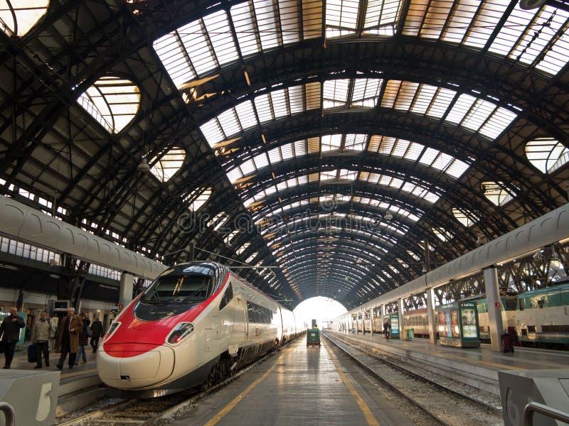 Het station van Milaan Centrale stock afbeeldingen