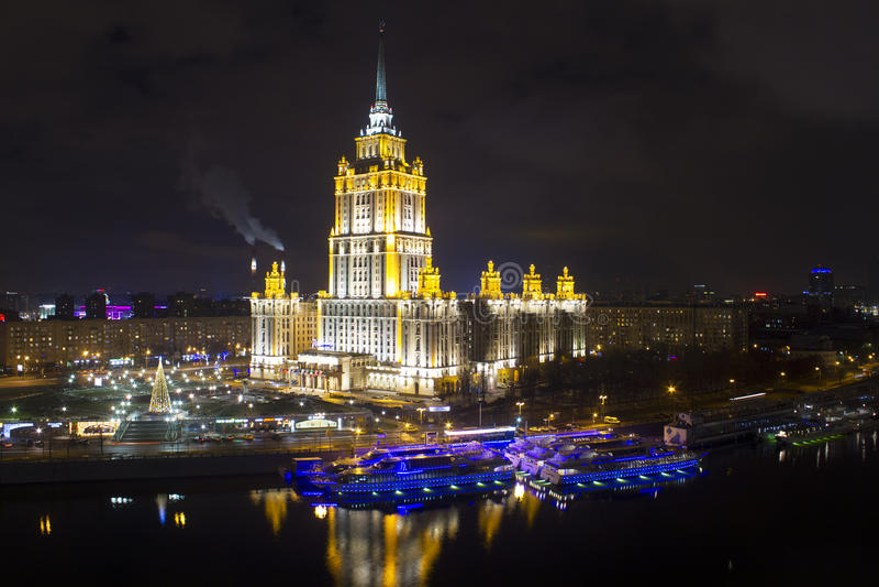 Het stedelijke landschap van grote steden en hun districten royalty-vrije stock afbeeldingen