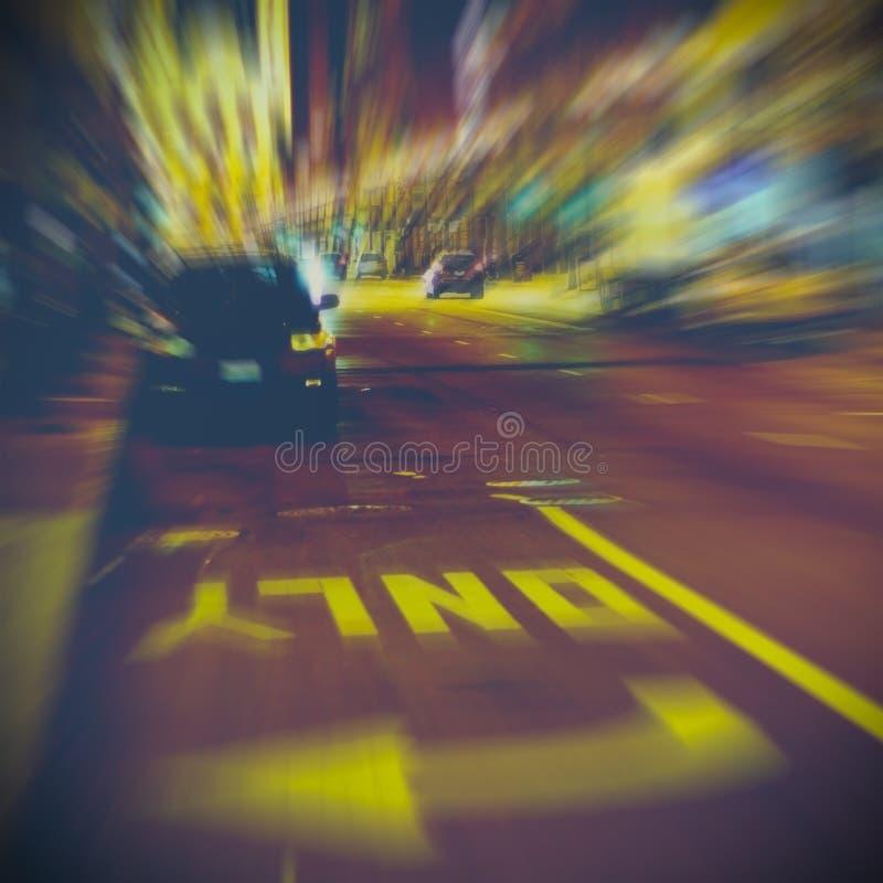 Het stedelijke leven bij nacht stock afbeeldingen