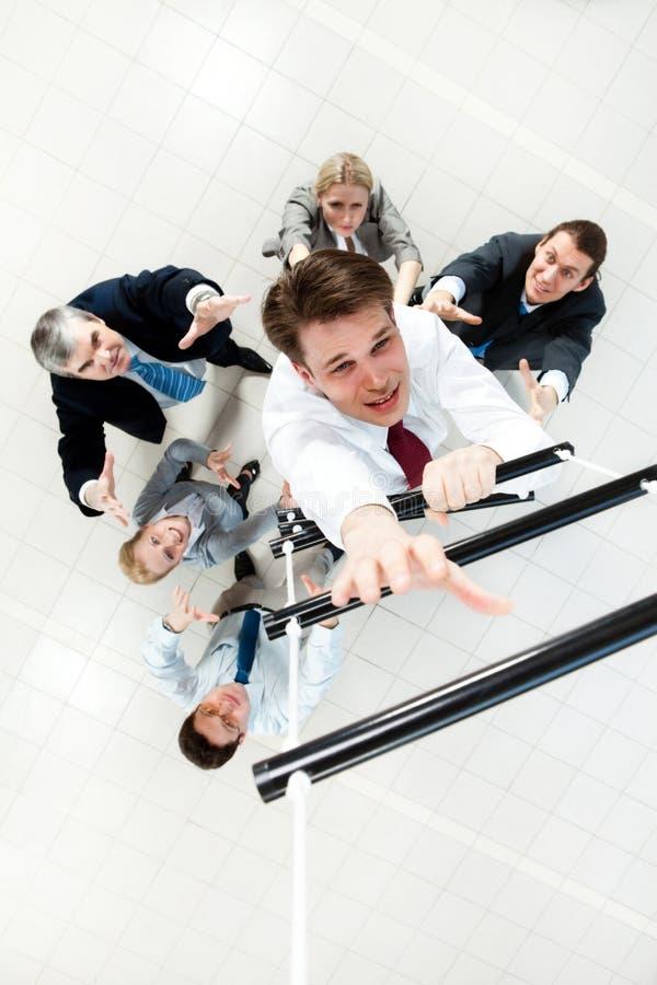 Het stijgen van de ladder stock afbeelding