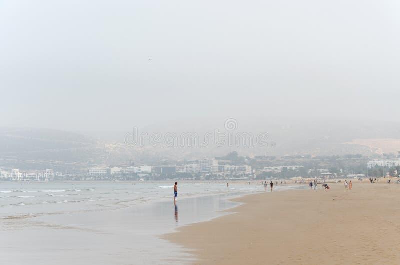 het strand in Agadir in Marokko stock foto's