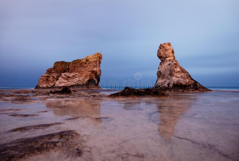 Het strand beroemde rotsen van Cleopatra royalty-vrije stock fotografie