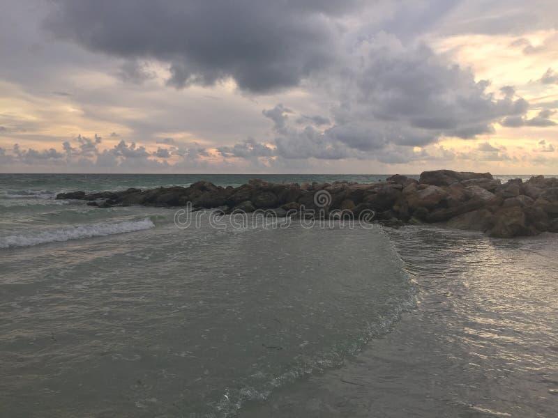 Het Strand en de Gebouwen van Florida stock afbeelding