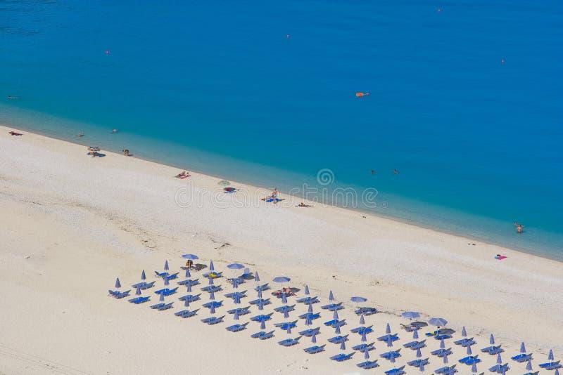 Het Strand Kefalonia van Myrtos stock afbeeldingen
